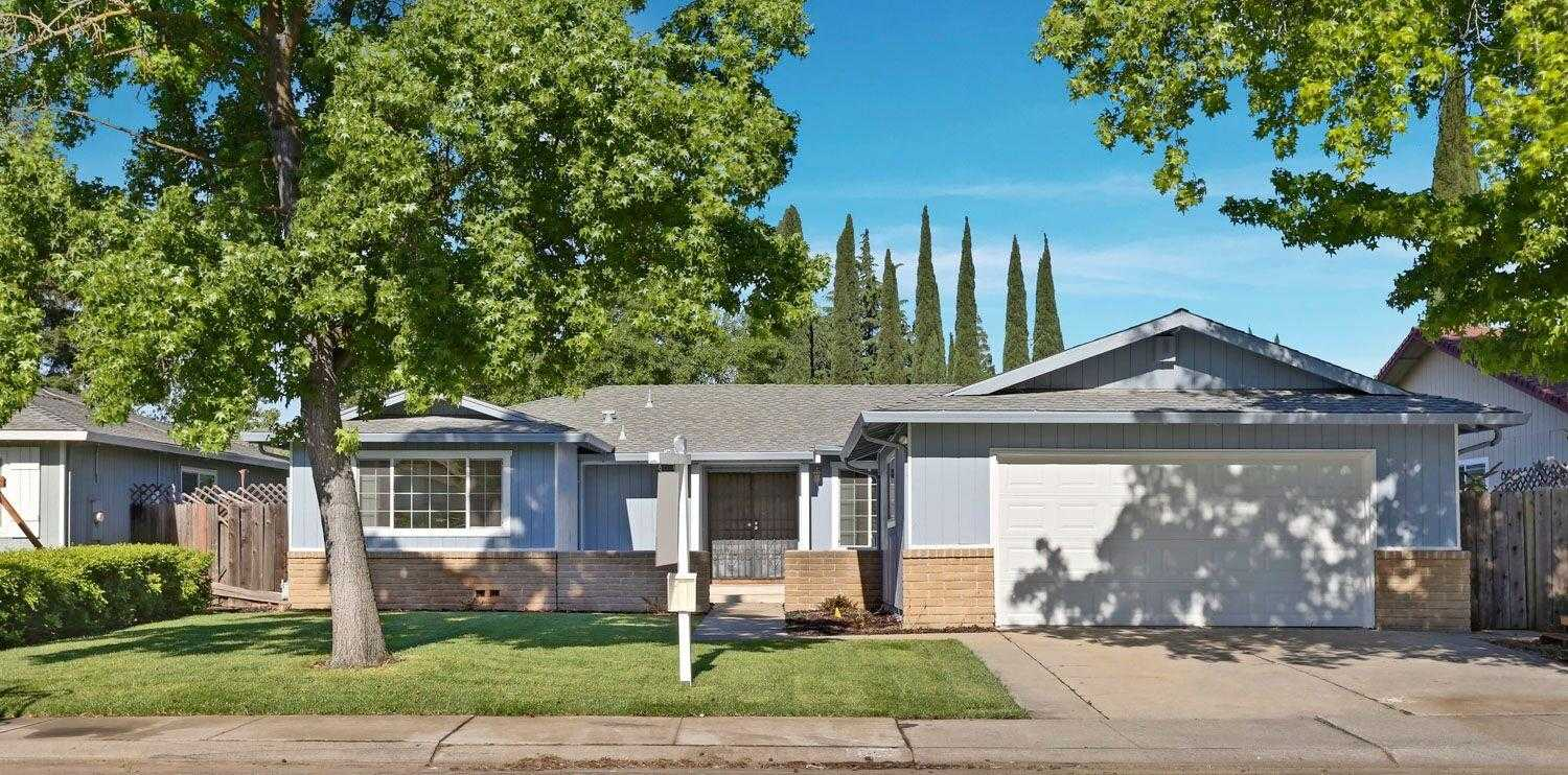 $319,900 - 3Br/2Ba -  for Sale in Western Valley Estates, Stockton