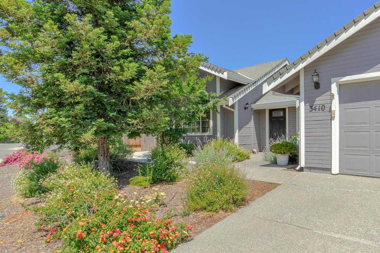$889,000 - 4Br/3Ba -  for Sale in Northstar, Davis