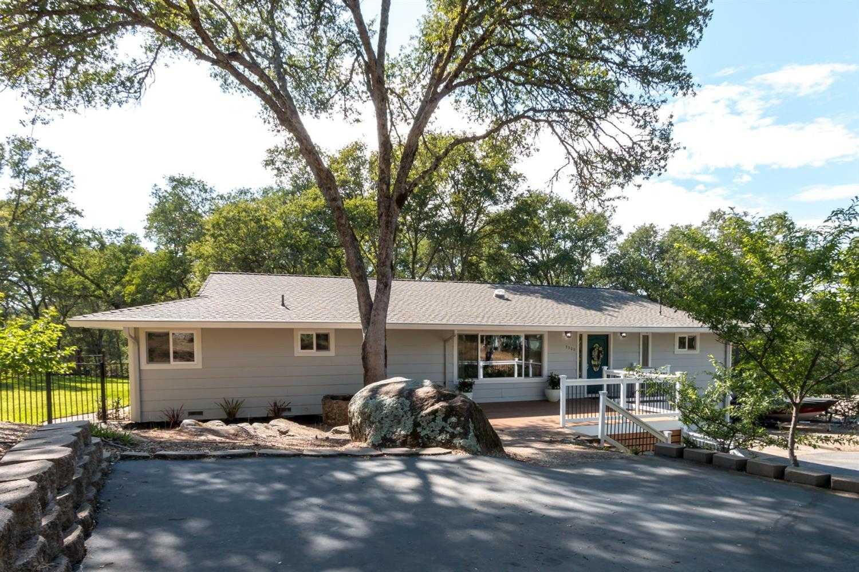 $685,000 - 4Br/2Ba -  for Sale in Shingle Springs