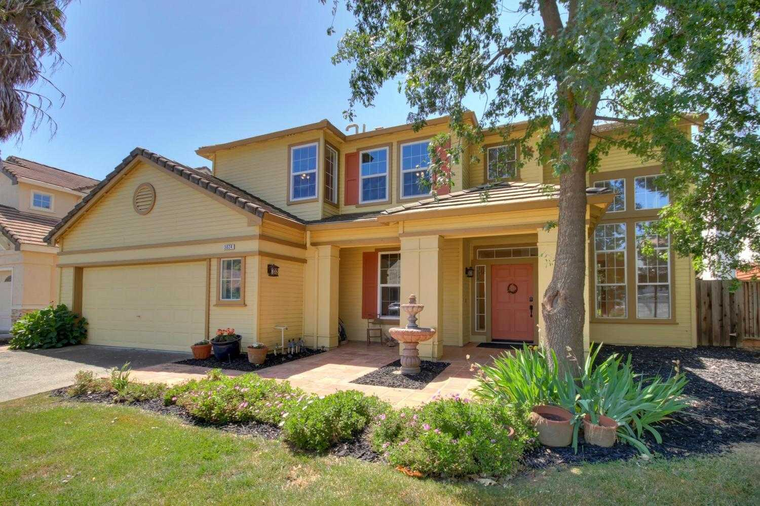 $829,000 - 4Br/3Ba -  for Sale in Mace Ranch Estates, Davis