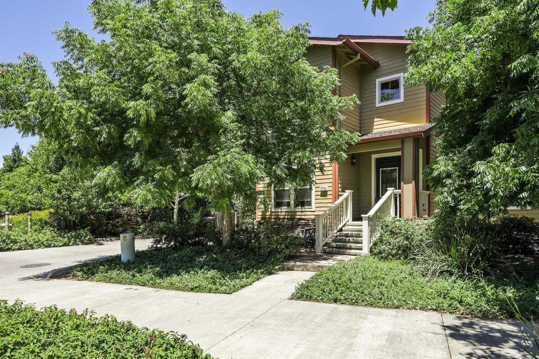 $549,000 - 3Br/3Ba -  for Sale in Longview Cottages, Davis