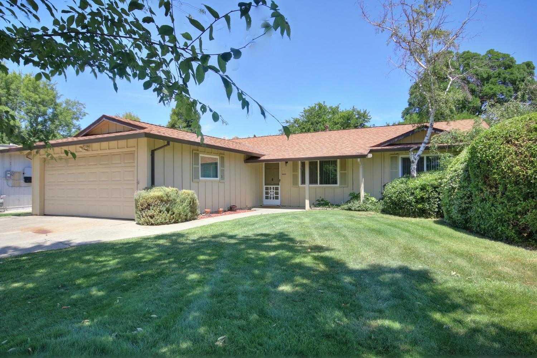 $595,000 - 4Br/2Ba -  for Sale in Davis