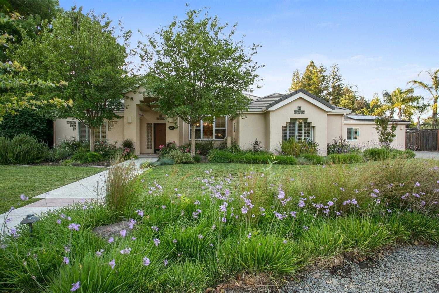 $1,225,000 - 5Br/4Ba -  for Sale in Oakshade, Davis