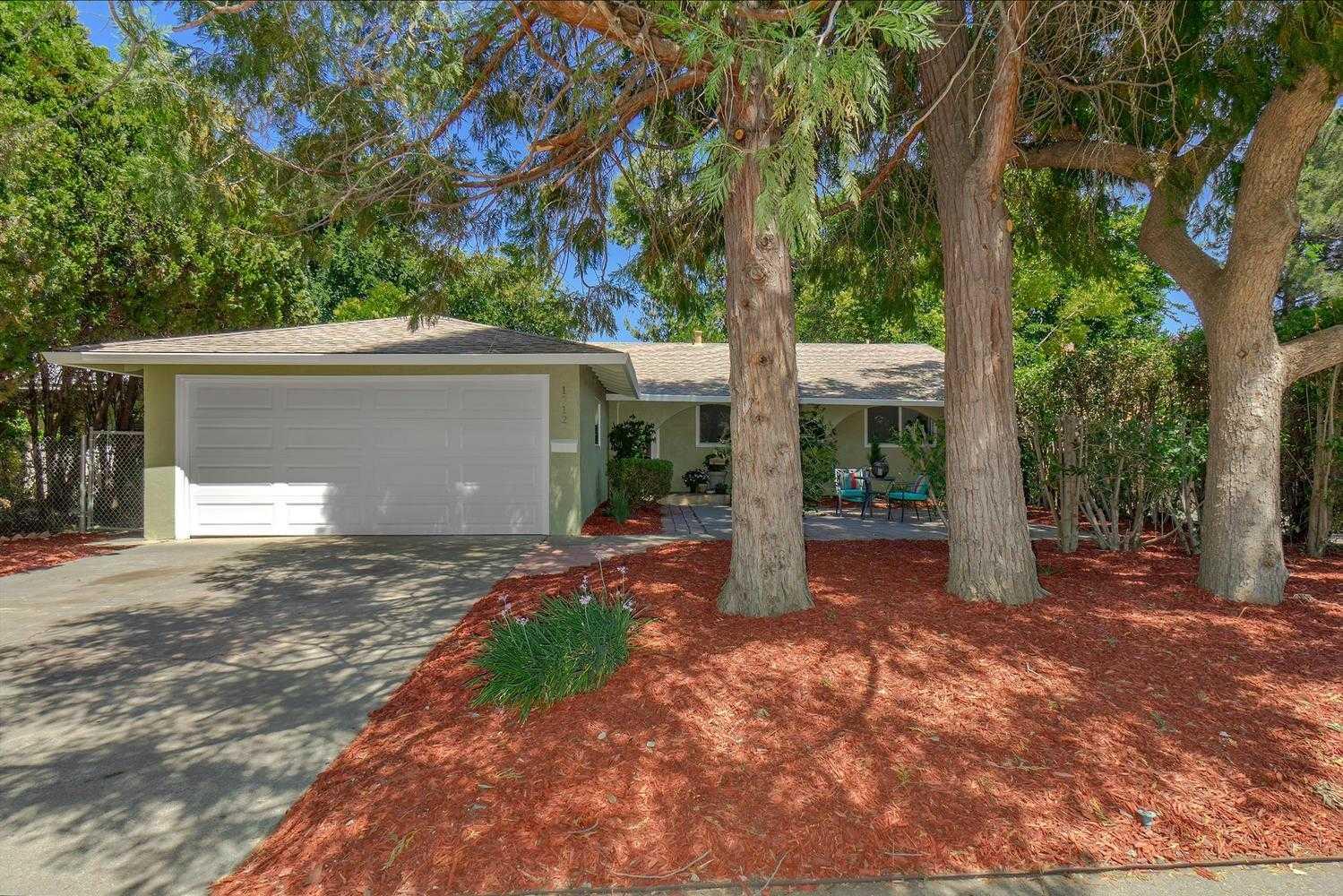 $639,000 - 4Br/2Ba -  for Sale in Davis