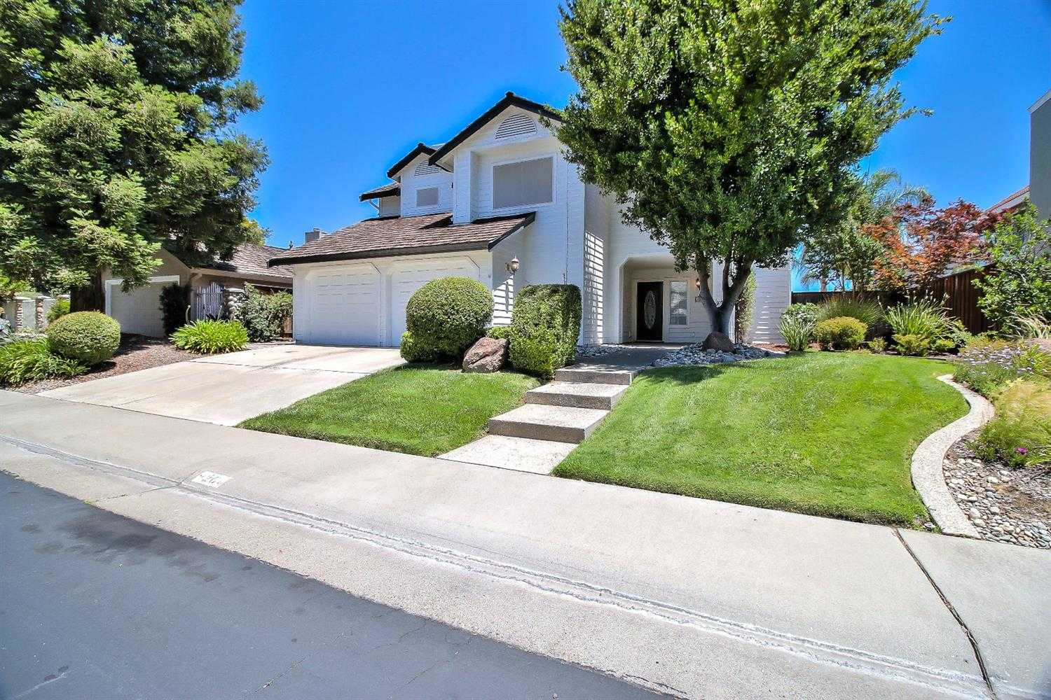 9204 Laguna Lake Way Elk Grove, CA 95758