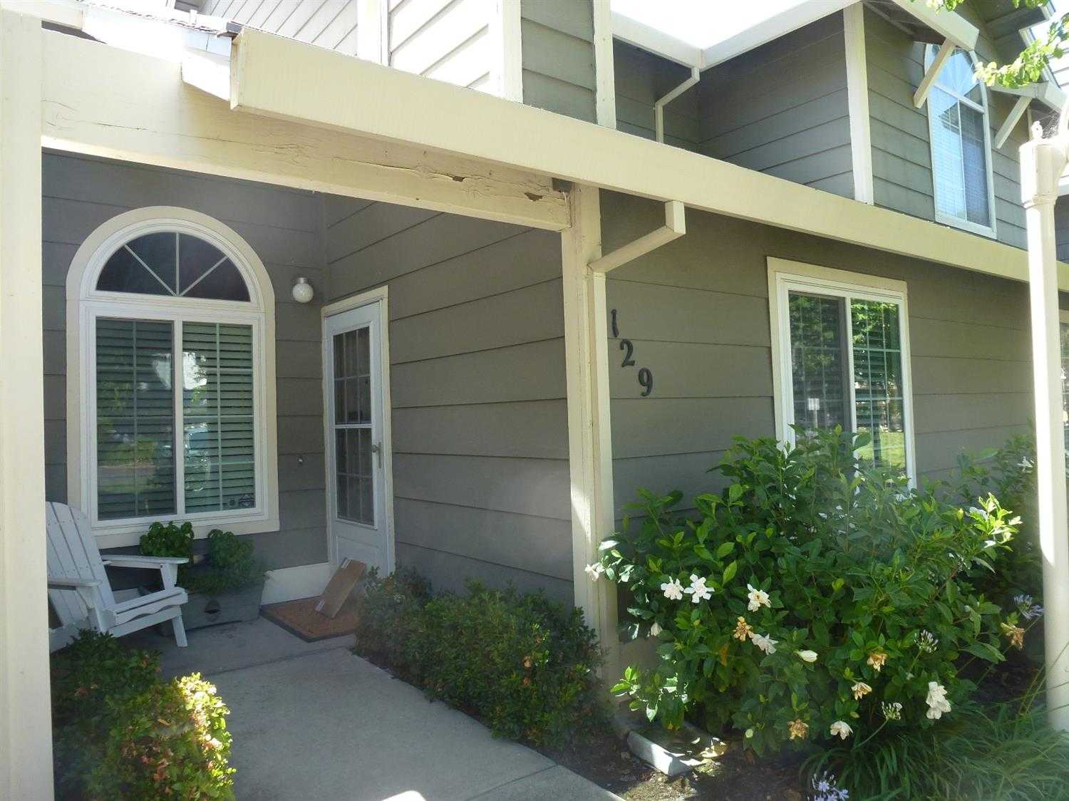 $289,900 - 2Br/3Ba -  for Sale in Lakeside Townhomes, Folsom