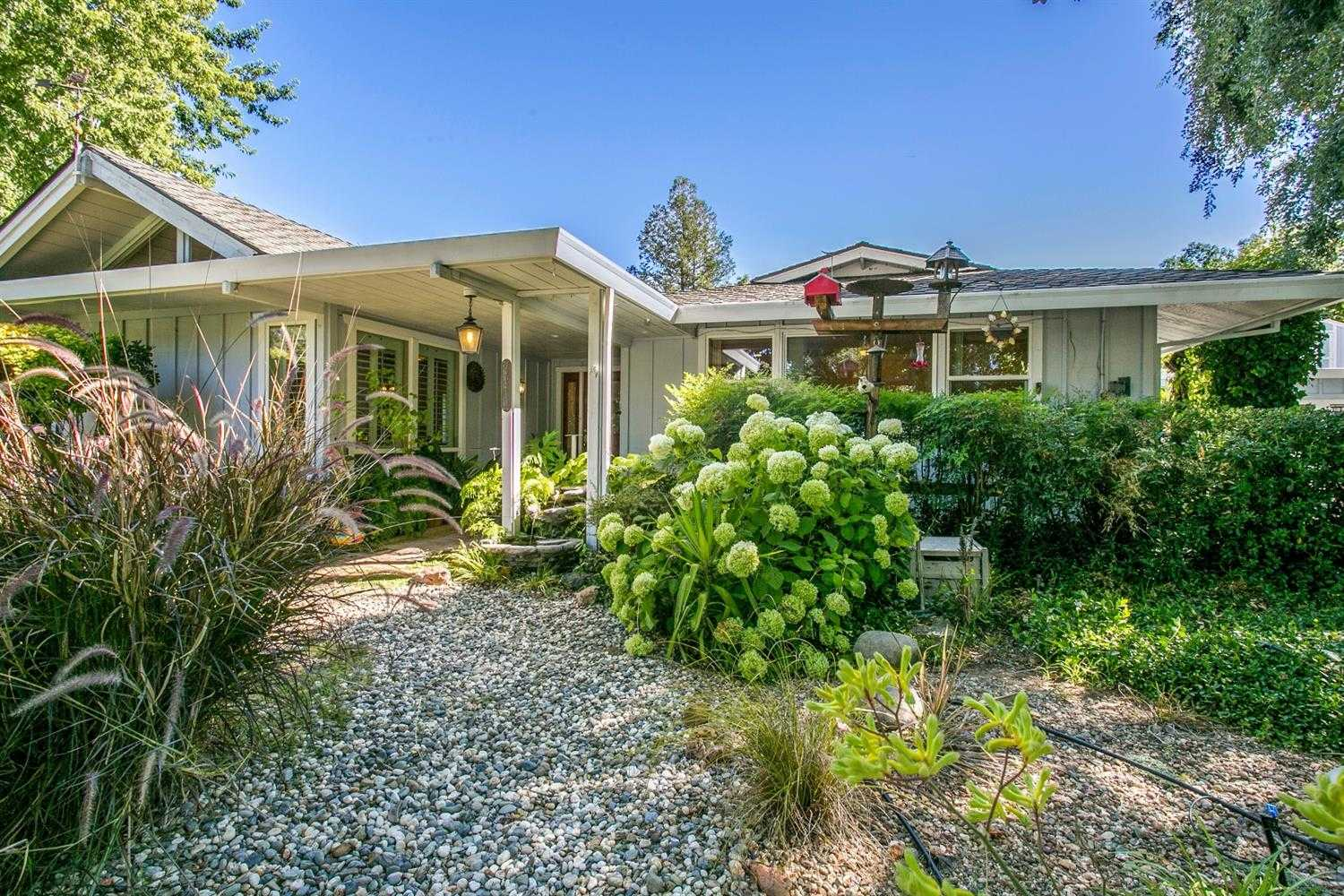 $969,000 - 3Br/2Ba -  for Sale in Davis