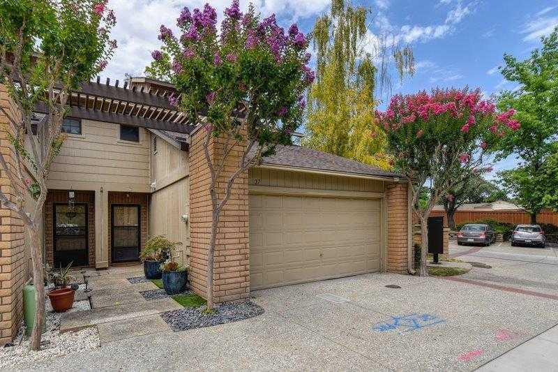 $259,900 - 2Br/3Ba -  for Sale in Verner Oaks Townhome, Sacramento