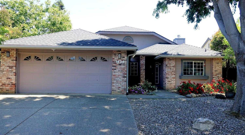 $679,000 - 4Br/2Ba -  for Sale in Davis