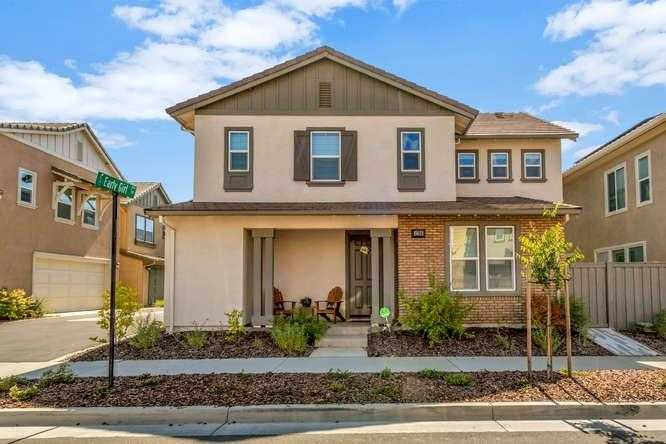 $789,000 - 4Br/3Ba -  for Sale in Davis