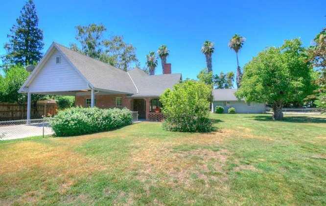 $289,000 - 3Br/2Ba -  for Sale in Live Oak