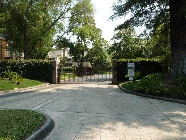 $274,000 - 2Br/2Ba -  for Sale in Woodside Oaks, Sacramento