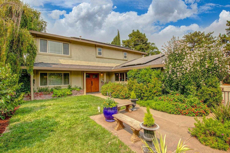 $839,000 - 4Br/3Ba -  for Sale in Davis