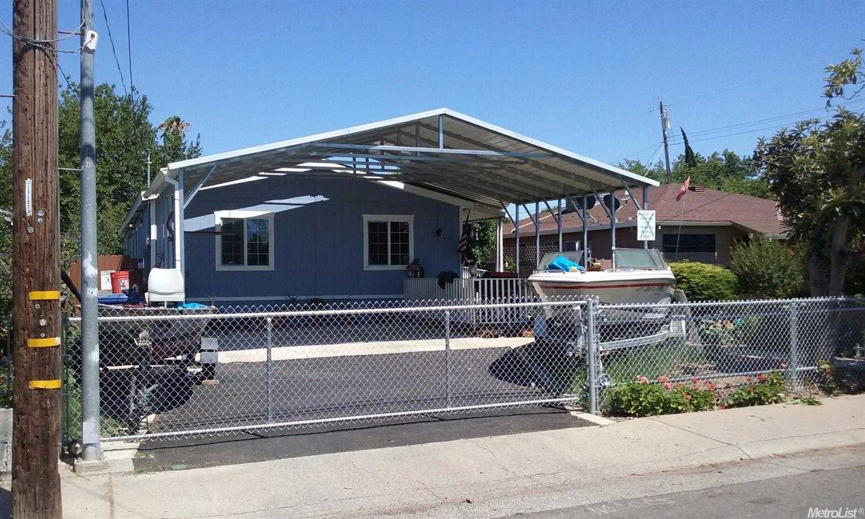 $300,000 - 4Br/2Ba -  for Sale in Nichols Park, Sacramento
