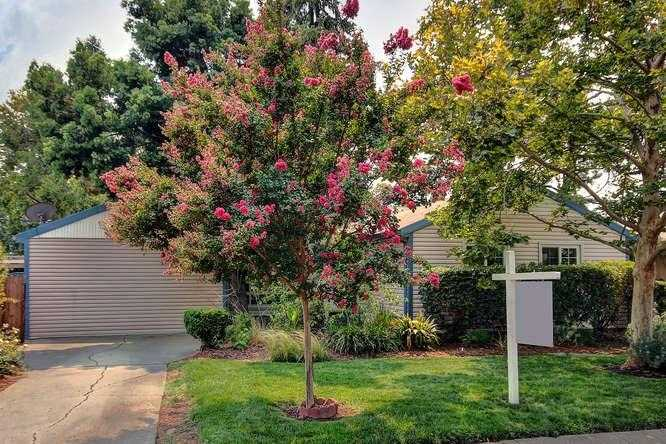 $600,000 - 5Br/1Ba -  for Sale in Davis