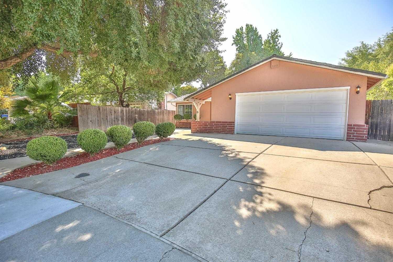 15 La Sara Ct Sacramento, CA 95833