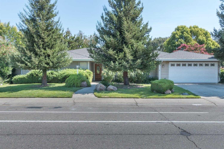 7025 Greenhaven Dr Sacramento, CA 95831