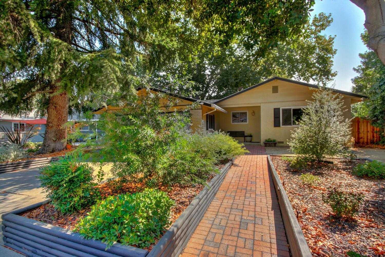 $589,000 - 3Br/2Ba -  for Sale in Davis