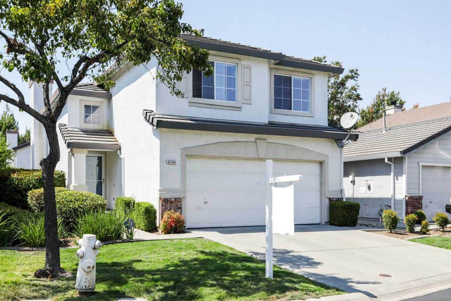 $342,000 - 3Br/3Ba -  for Sale in The Aspens, Elk Grove