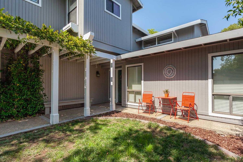 $855,000 - 4Br/3Ba -  for Sale in Davis