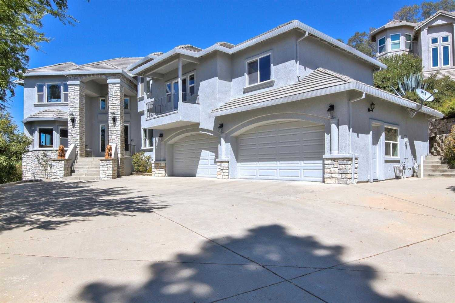 $896,000 - 5Br/5Ba -  for Sale in Ridgeview Village, El Dorado Hills