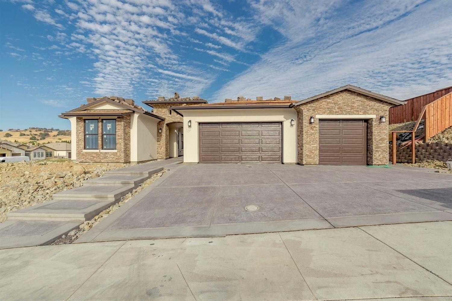 $929,900 - 4Br/4Ba -  for Sale in Folsom
