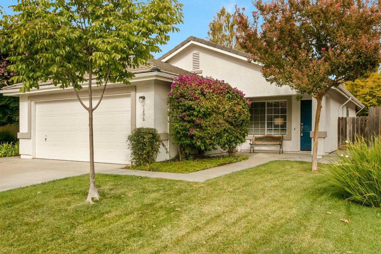 $549,000 - 3Br/2Ba -  for Sale in Davis