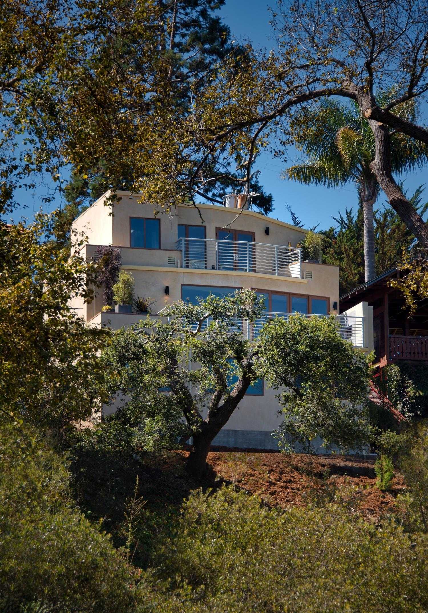 $2,650,000 - 4Br/4Ba -  for Sale in Capitola