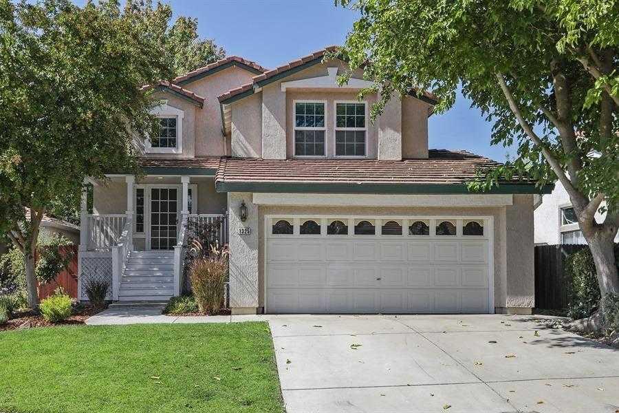 $610,000 - 3Br/3Ba -  for Sale in Davis