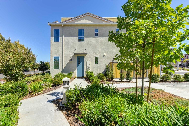 $334,900 - 3Br/3Ba -  for Sale in Capital Village Ph Iii, Rancho Cordova