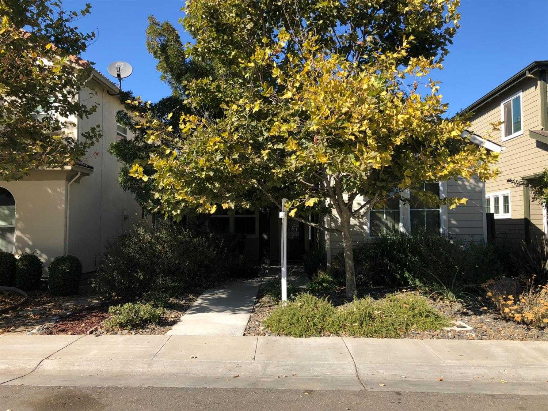 $636,000 - 4Br/3Ba -  for Sale in Davis