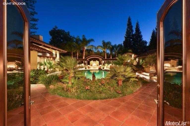$2,700,000 - 4Br/7Ba -  for Sale in Sacramento