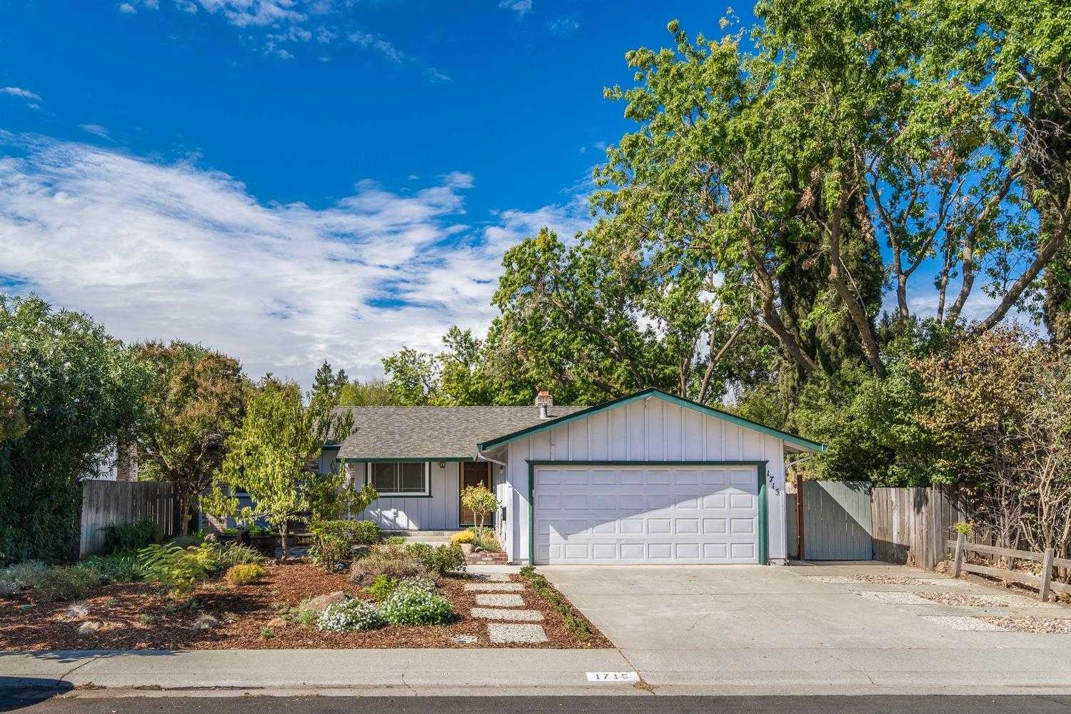 $609,500 - 3Br/2Ba -  for Sale in Davis