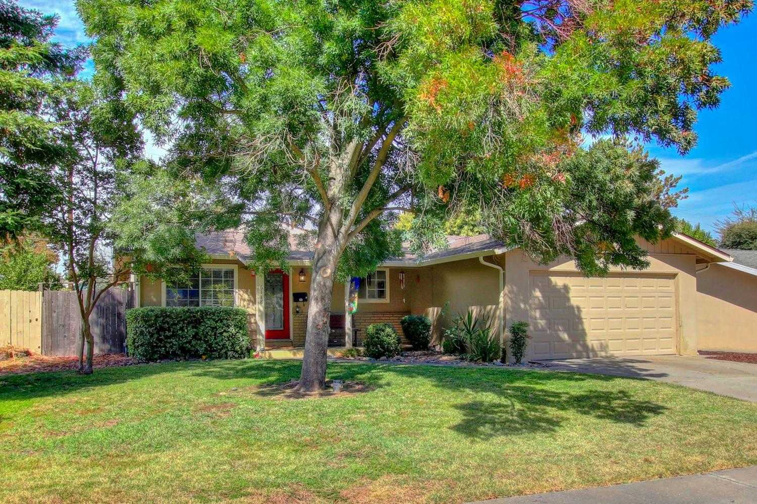 $324,000 - 3Br/2Ba -  for Sale in Citrus Heights