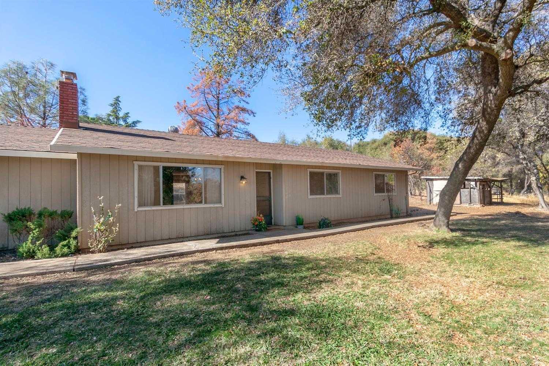 $425,000 - 3Br/2Ba -  for Sale in Shingle Springs