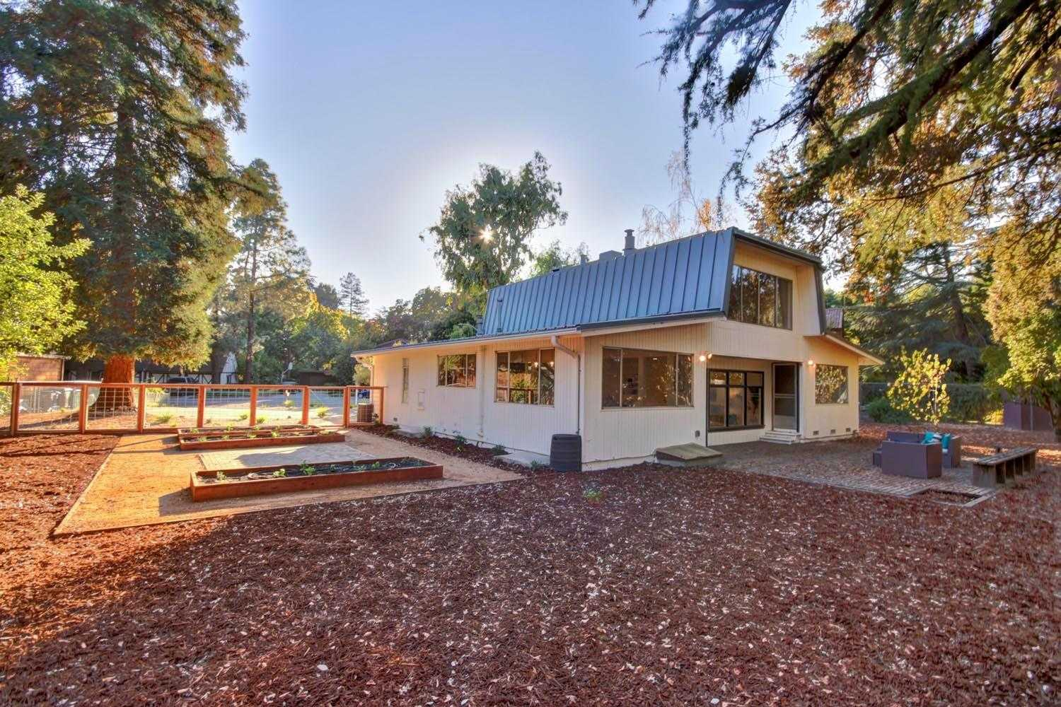 $899,900 - 3Br/2Ba -  for Sale in Davis