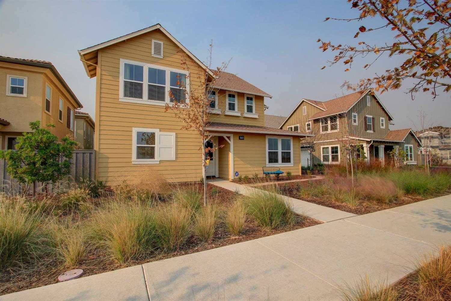 $795,000 - 4Br/3Ba -  for Sale in Cannery, Davis