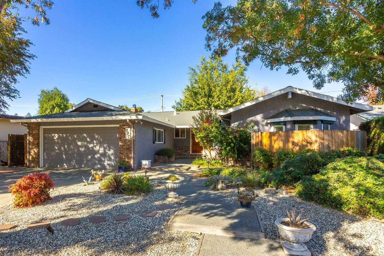 $760,000 - 3Br/2Ba -  for Sale in Davis