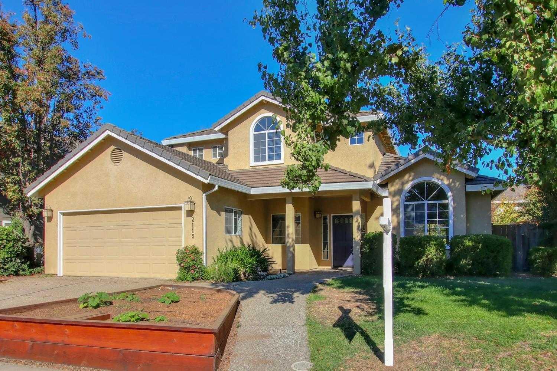 $749,000 - 4Br/3Ba -  for Sale in Davis