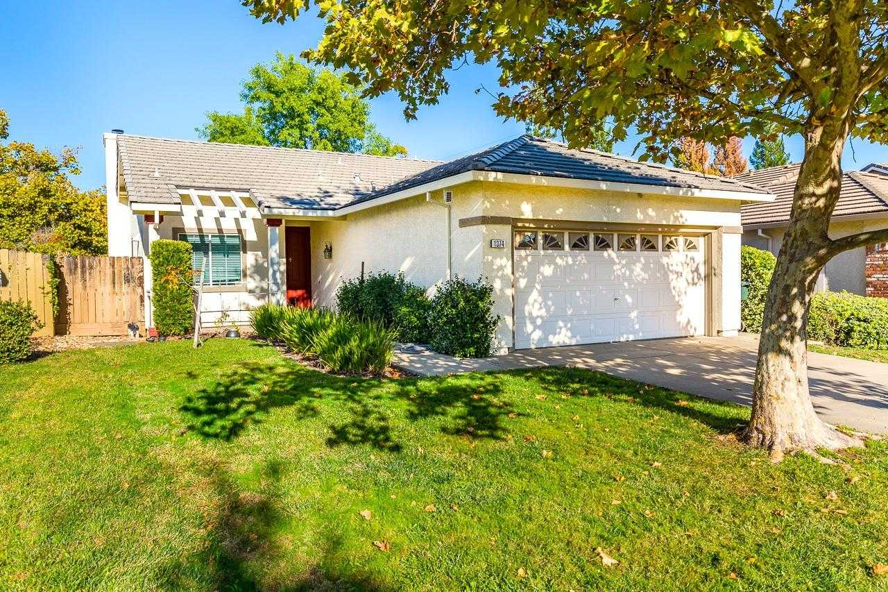 $459,800 - 3Br/2Ba -  for Sale in Folsom