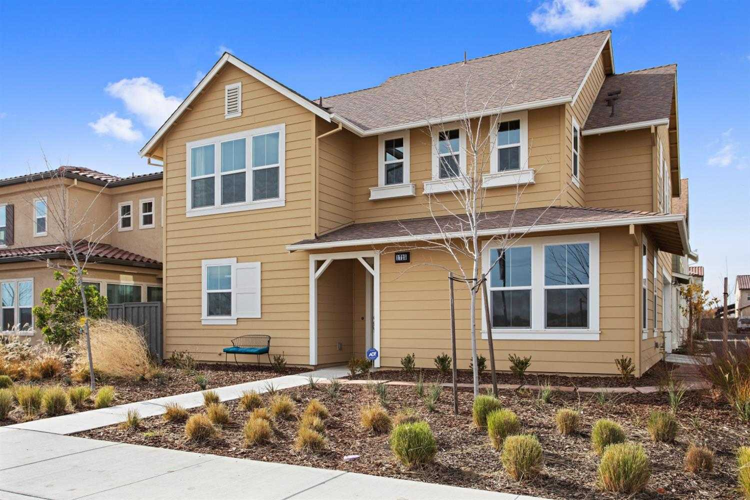 $780,000 - 4Br/3Ba -  for Sale in Cannery, Davis