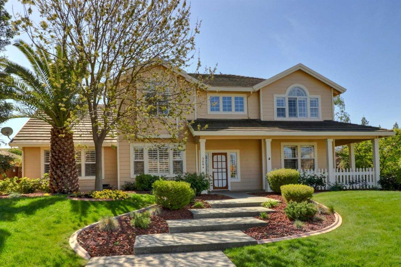 $950,000 - 4Br/3Ba -  for Sale in Lake Alhambra Estates, Davis