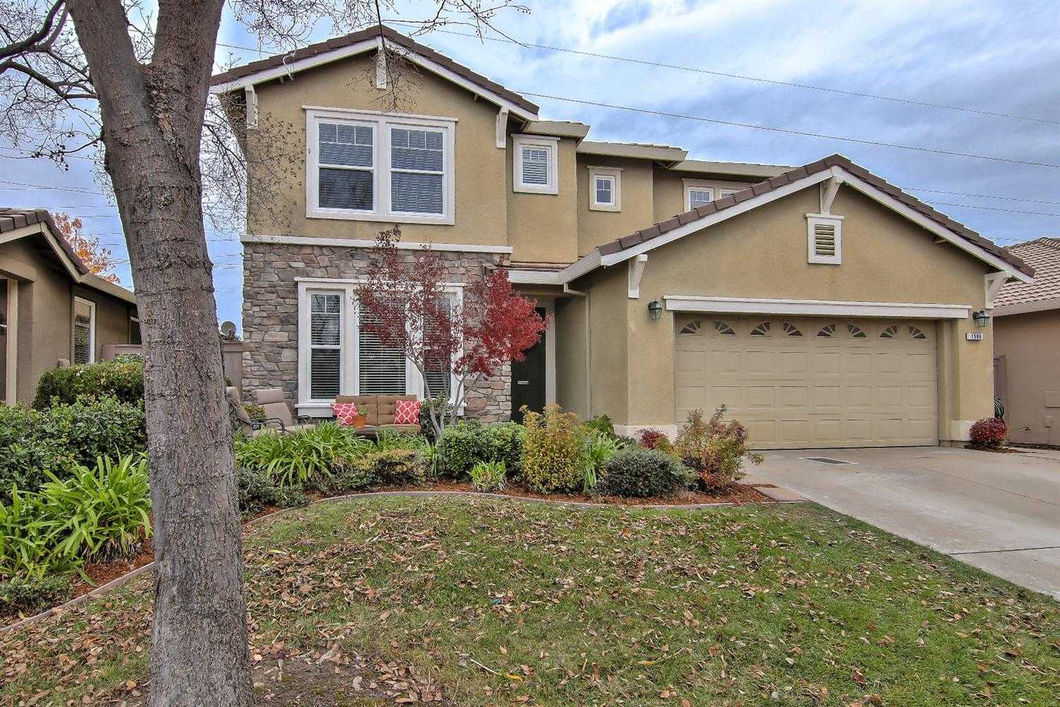 $565,000 - 4Br/3Ba -  for Sale in Folsom
