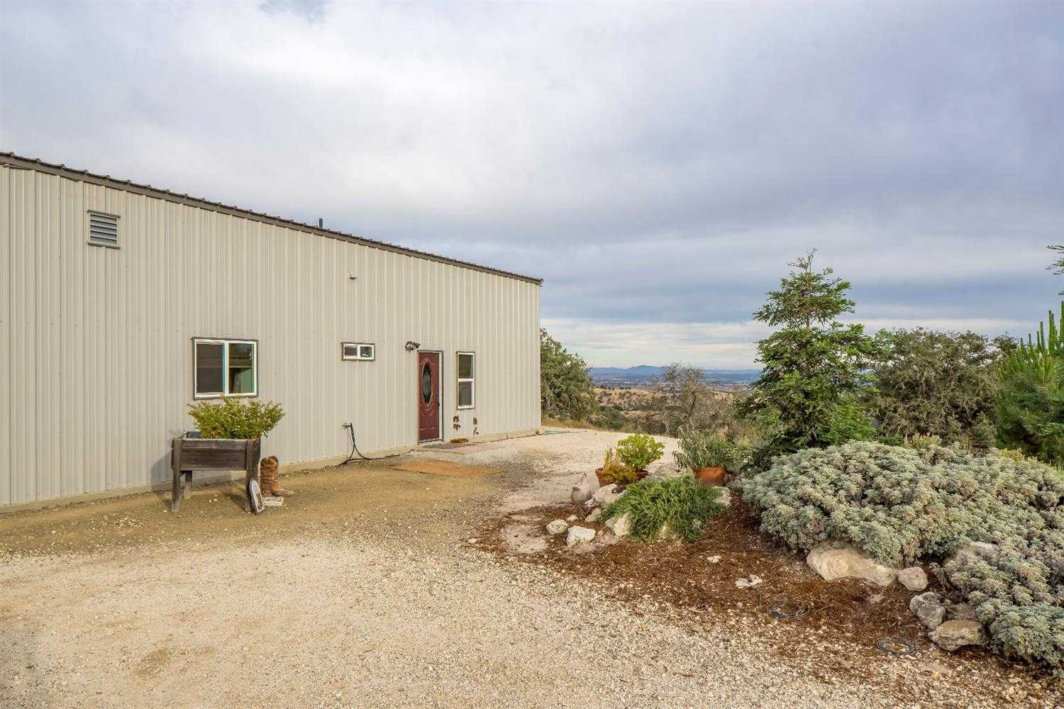 $1,099,000 - 2Br/2Ba -  for Sale in Paso Robles