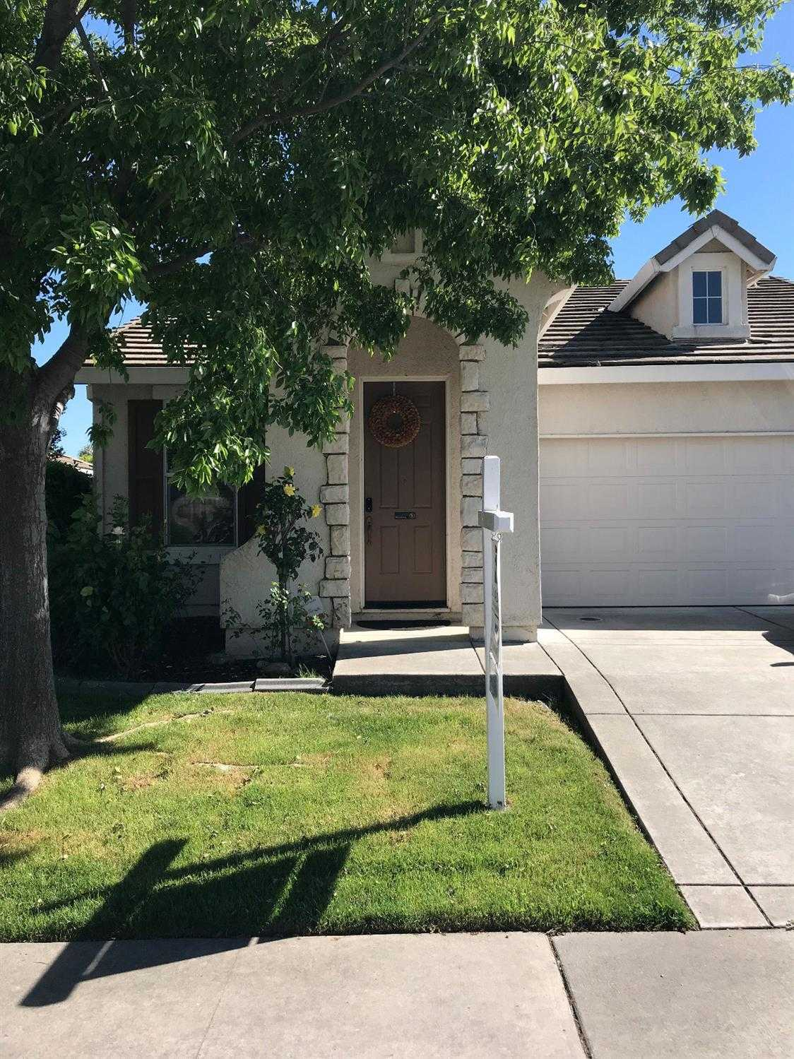 $364,999 - 4Br/2Ba -  for Sale in Sacramento