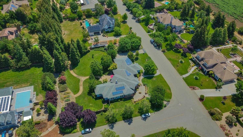 $1,500,000 - 6Br/4Ba -  for Sale in Davis