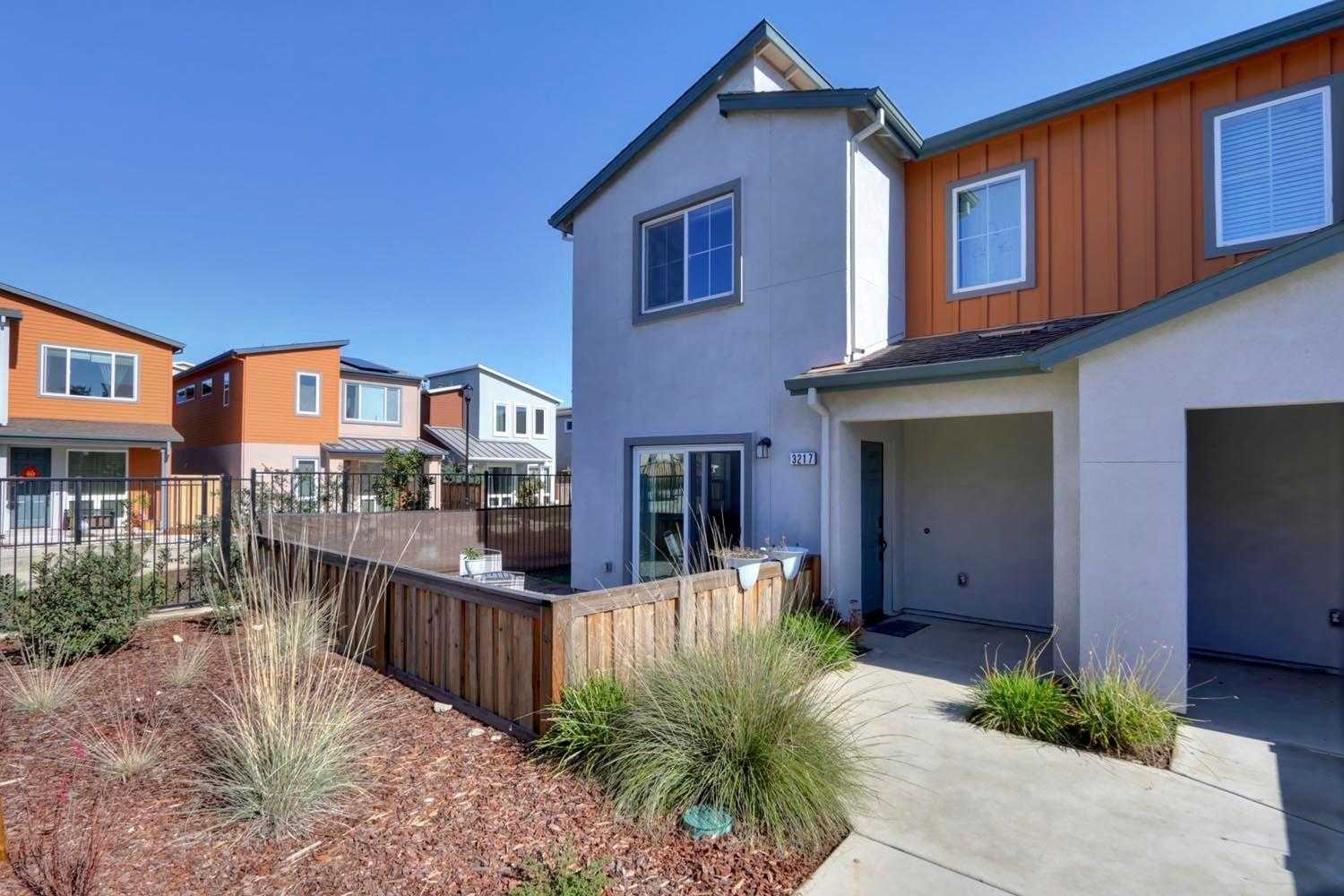 $380,356 - 3Br/3Ba -  for Sale in Davis