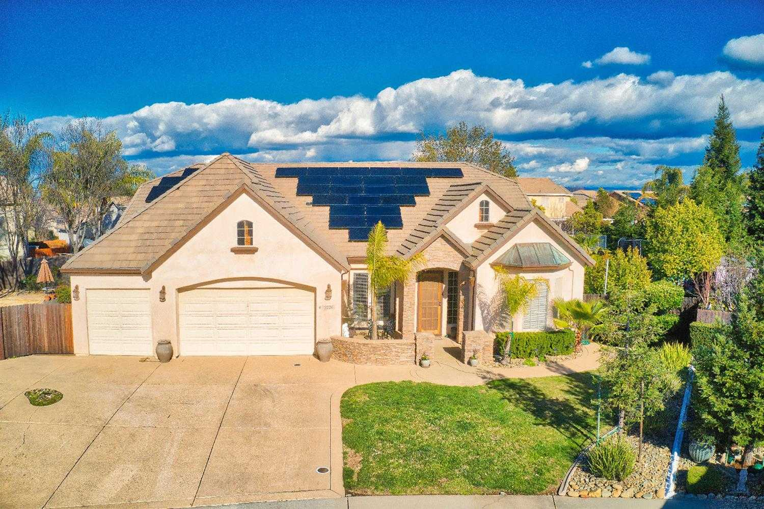 $625,000 - 3Br/3Ba -  for Sale in Lincoln