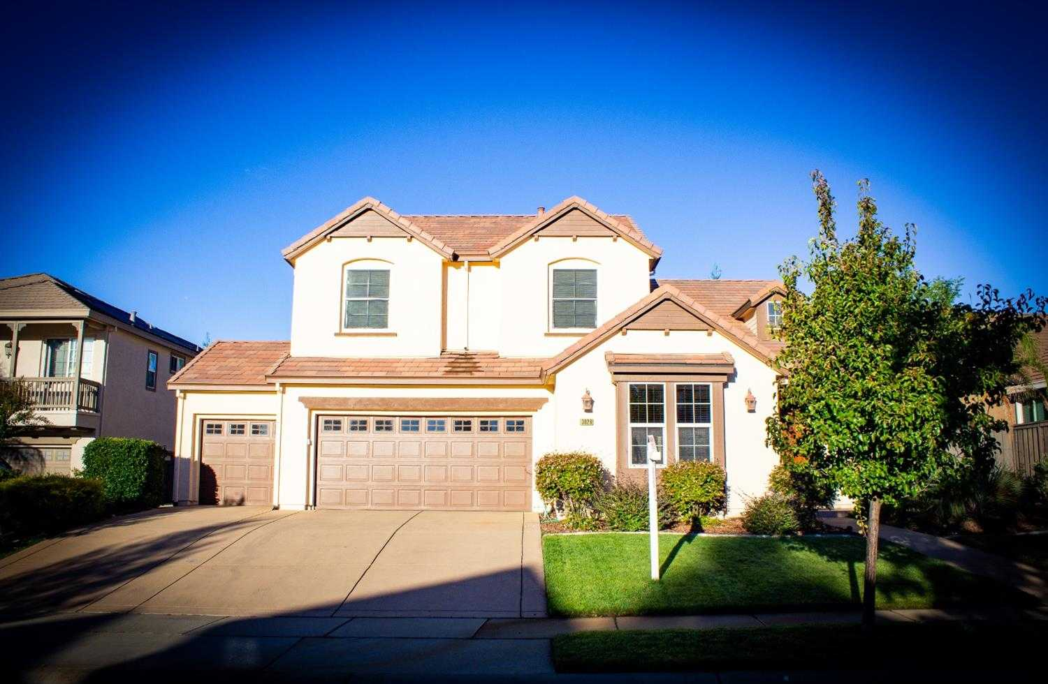 $715,000 - 4Br/4Ba -  for Sale in Loomis
