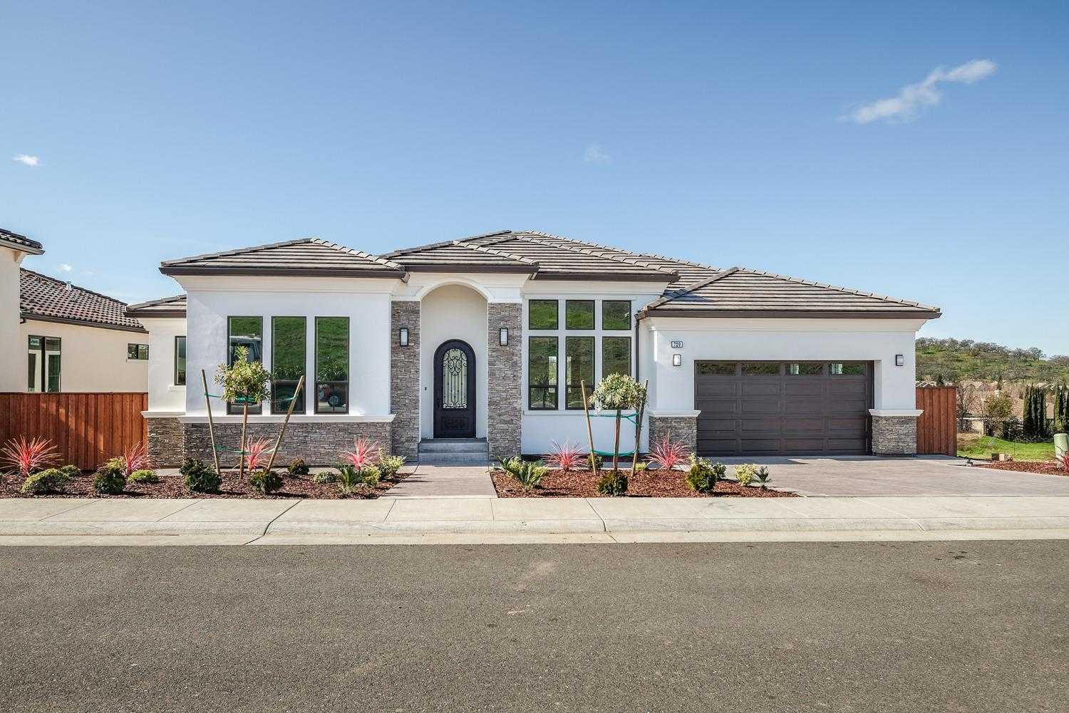 $929,000 - 4Br/3Ba -  for Sale in Folsom